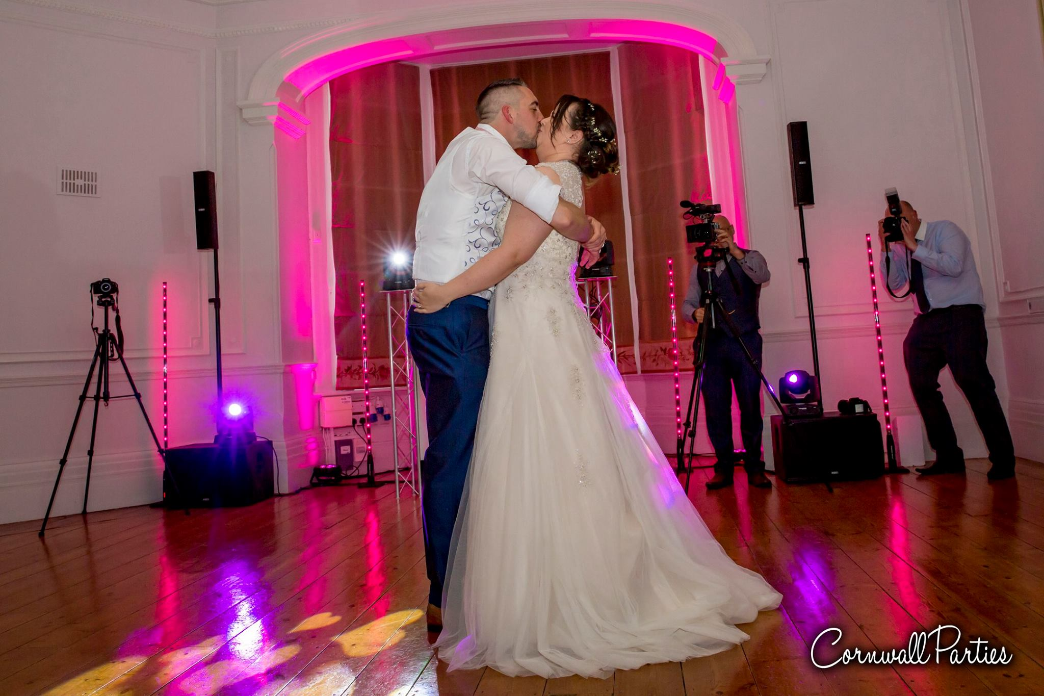 cornwall wedding disco dj photographer 18